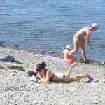 Приятный отдых на галечном пляже в Анапе