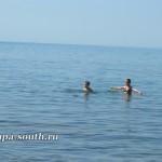 Подростки на пляже в Анапе