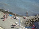 Вид на галечный пляж с Набережной
