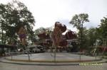 Аттракционы в городском парке